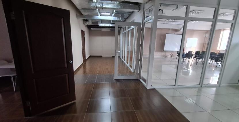 Аренда офиса 720 кв.м ТЦ Мириада Днепр, Центральный район, пр-кт Поля